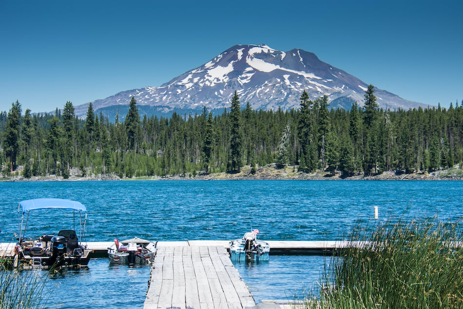 picture of cascade lake near bend oregon