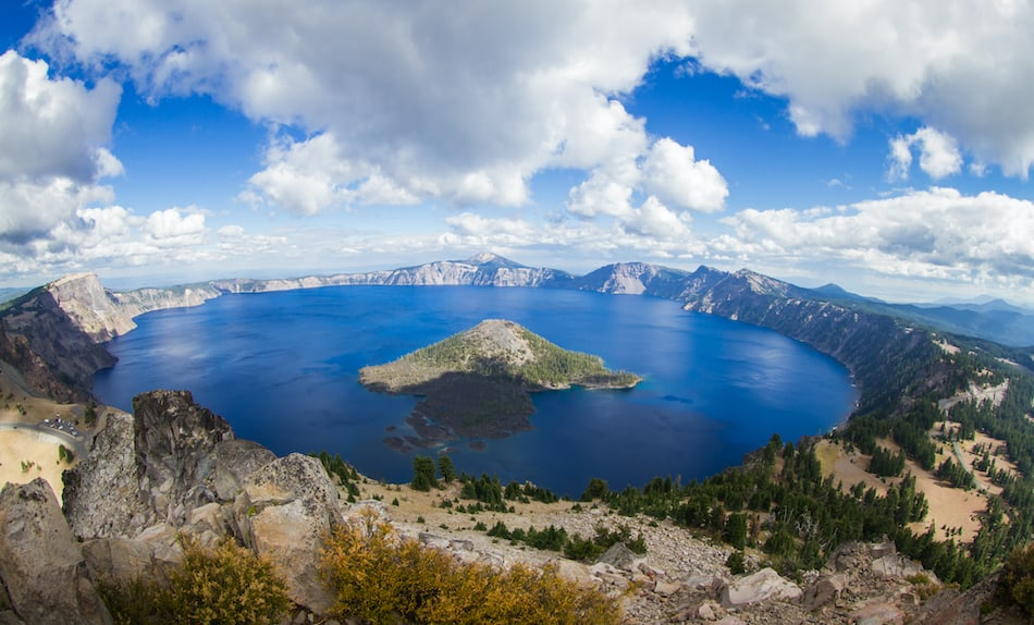 picture of crater lake in oregon