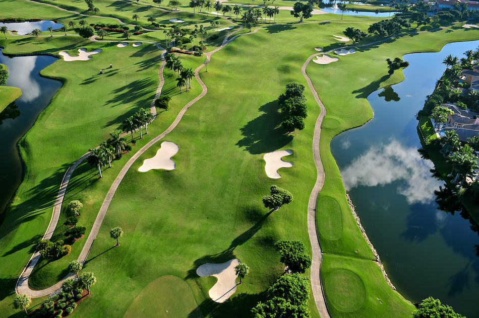 picture of a nice florida municipal golf course