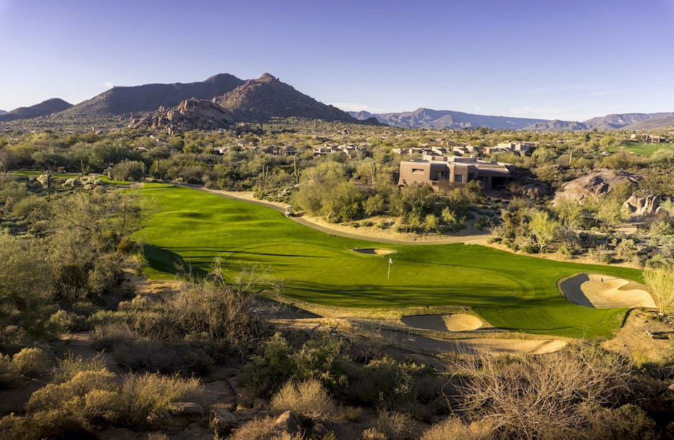 picture of a desert golf course in arizona