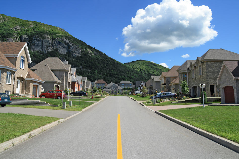picture of Street leading to the mountain in a suburban colorado neighborhood.
