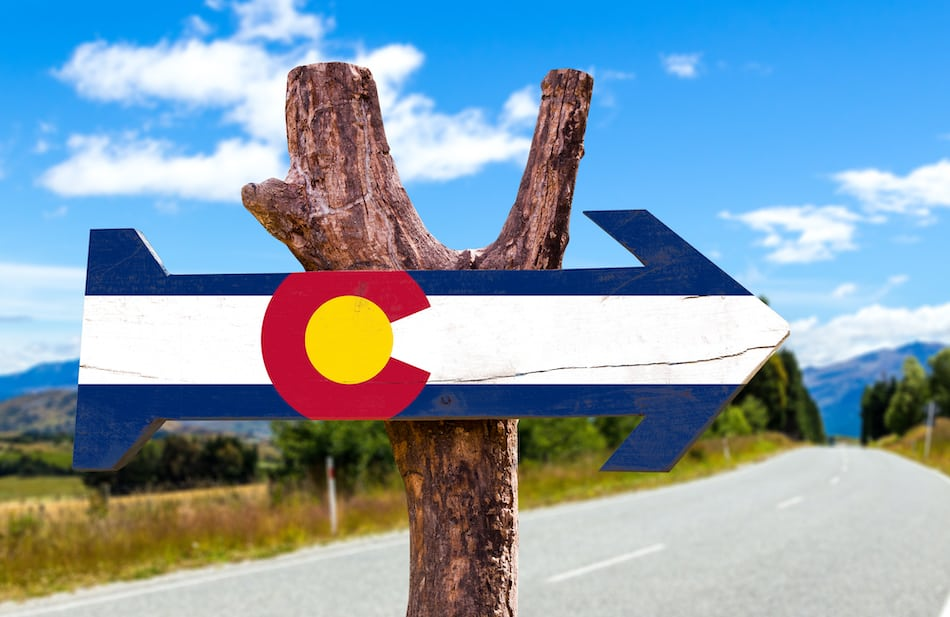picture of colorado street sign
