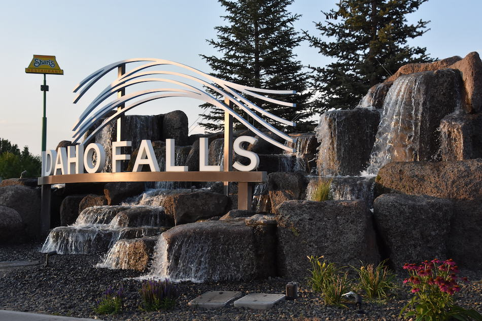 picture of the idaho falls city sign