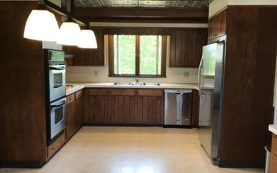 Large eat-in kitchen with separate cooking and dining areas and specialty ceiling