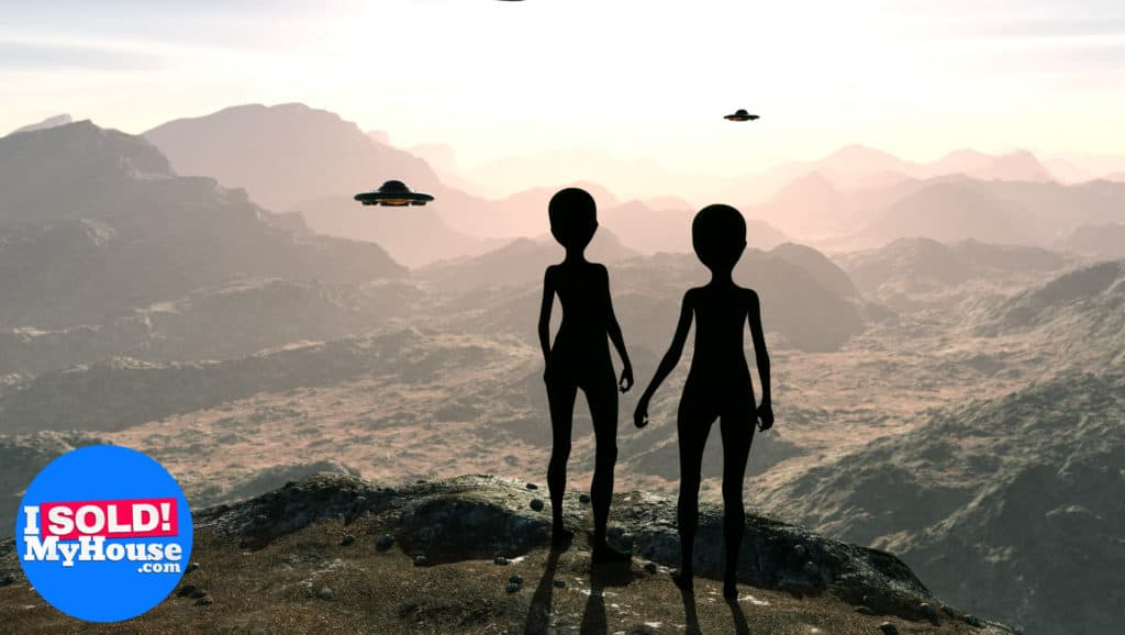picture of aliens overlooking mountains in the united states